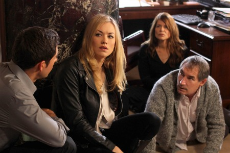 'Chuck' Set Visit: Behind the Scenes with Linda Hamilton, Zachary Levi and More