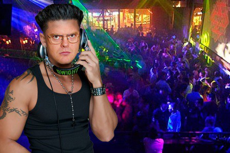 pauly d with his hair down. Spins Into DJ Pauly D