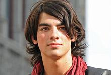 Camp Rock: Joe Jonas Not Dating Female Co-Star